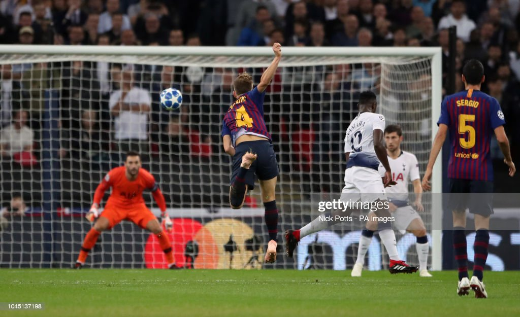 Tottenham Hotspur v Barcelona - UEFA Champions League - Group B - Wembley Stadium : News Photo