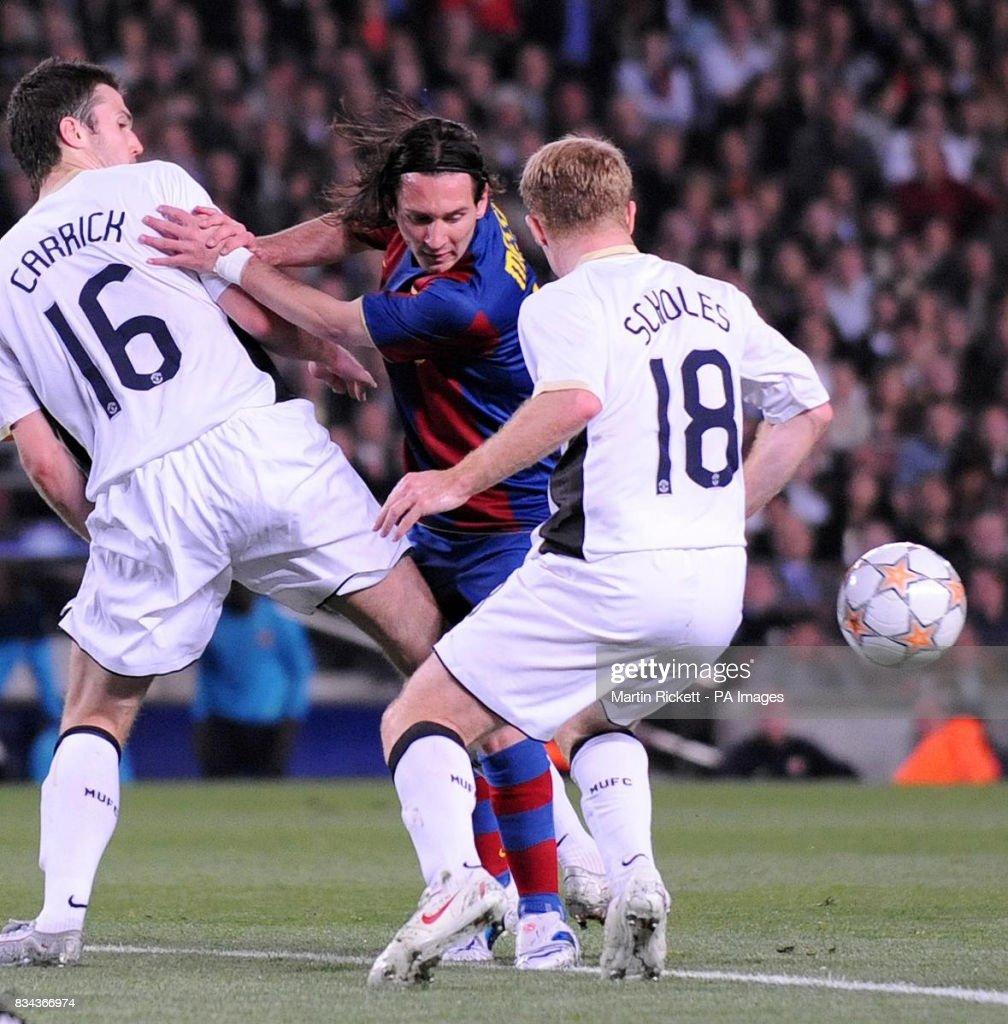 Soccer - UEFA Champions League - Semi Final - First Leg - Barcelona v Manchester United - Nou Camp : News Photo