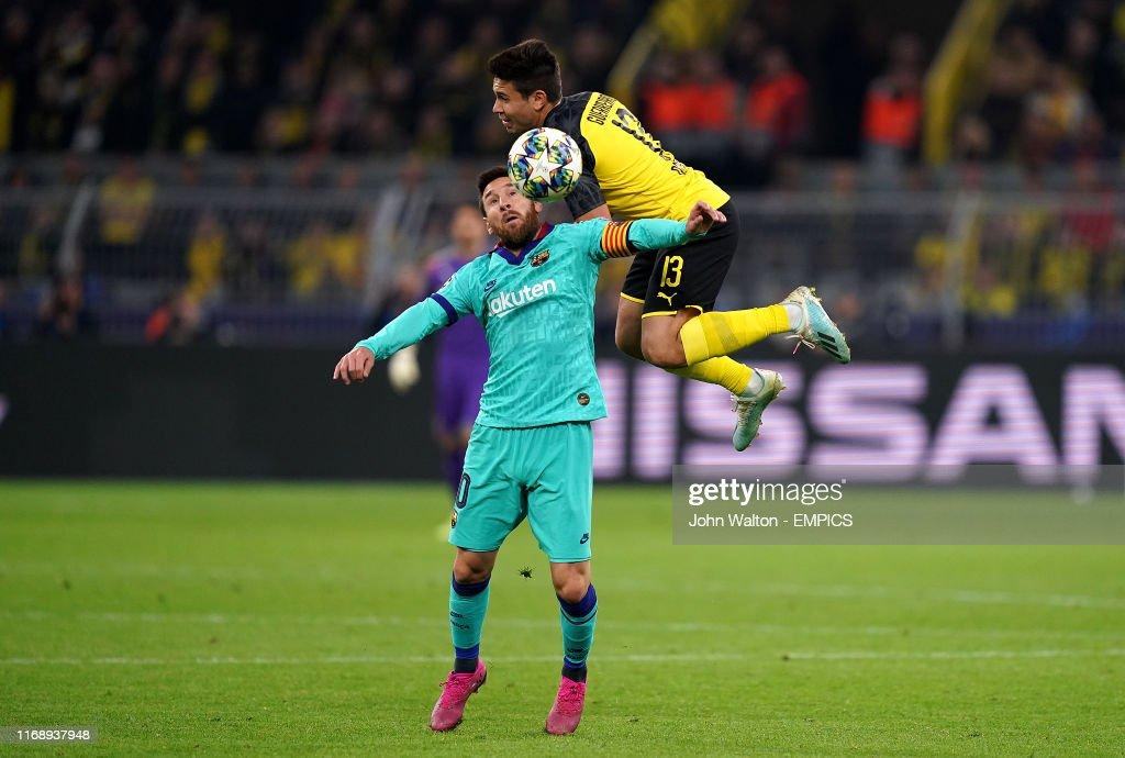 Borussia Dortmund v Barcelona - UEFA Champions League - Group F - Signal Iduna Park : News Photo