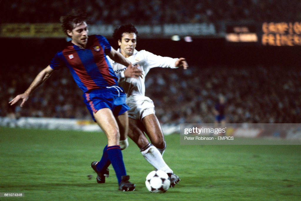 Spanish Soccer - Primera Liga - Barcelona v Real Madrid - Nou Camp Stadium : News Photo