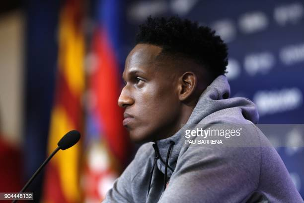 Barcelona's new Colombian defender Yerry Mina holds a press conference in Barcelona on January 13 2018 / AFP PHOTO / Pau Barrena