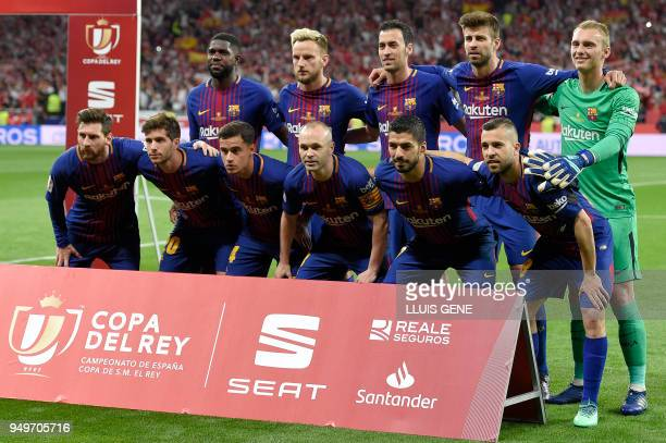 Barcelona's player pose before the Spanish Copa del Rey final football match Sevilla FC against FC Barcelona at the Wanda Metropolitano stadium in...