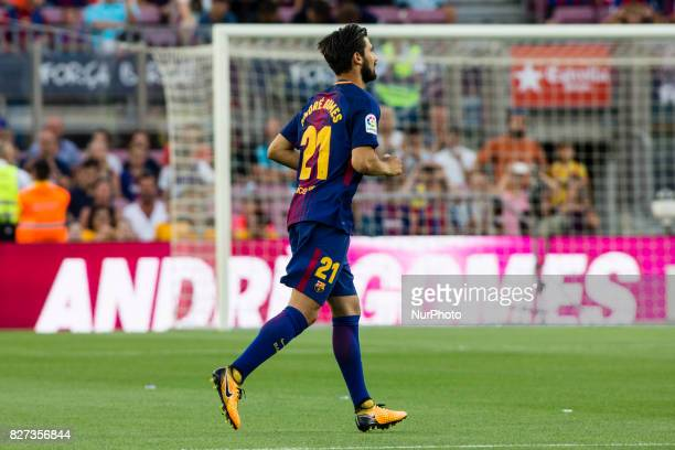 Barcelona's Portuguese midfielder Andre Gomes reacts during the team presentation after the Joan Gamper trophy match between FC Barcelona vs...