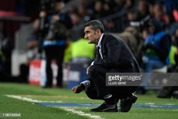 Barcelona's Spanish coach Ernesto Valverde looks on during the UEFA Champions League group F football match between FC Barcelona and SK Slavia Prague...