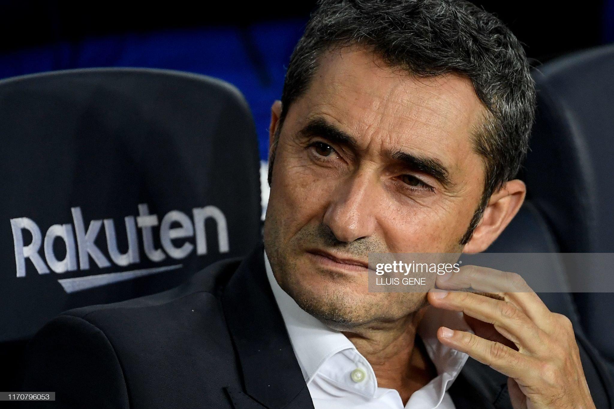 صور مباراة : برشلونة - فياريال 2-1 ( 24-09-2019 )  Barcelonas-spanish-coach-ernesto-valverde-looks-on-prior-to-the-picture-id1170796053?s=2048x2048