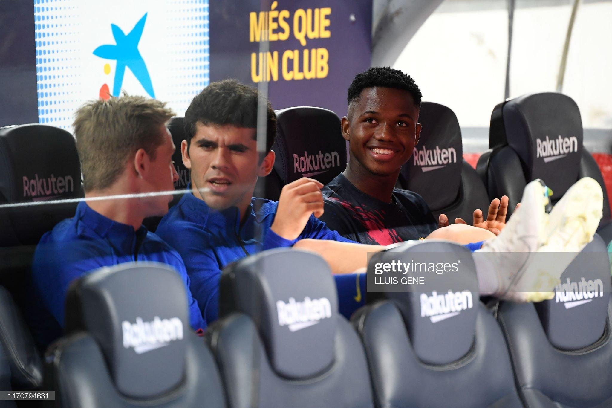 صور مباراة : برشلونة - فياريال 2-1 ( 24-09-2019 )  Barcelonas-spanish-midfielder-carles-alena-and-barcelonas-forward-picture-id1170794631?s=2048x2048