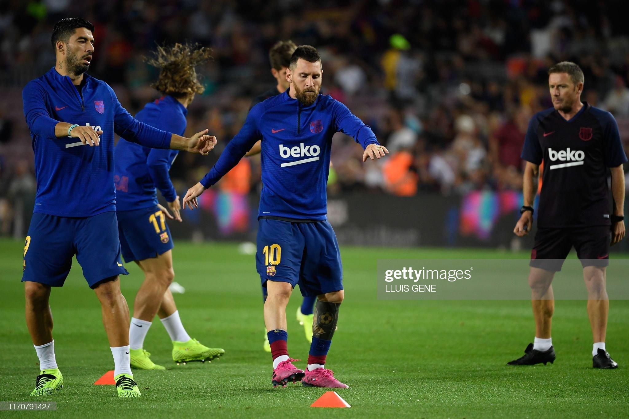 صور مباراة : برشلونة - فياريال 2-1 ( 24-09-2019 )  Barcelonas-uruguayan-forward-luis-suarez-and-barcelonas-argentine-picture-id1170791427?s=2048x2048