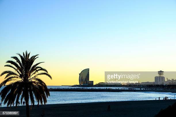barceloneta beach, barcelona, spain - la barceloneta stock pictures, royalty-free photos & images
