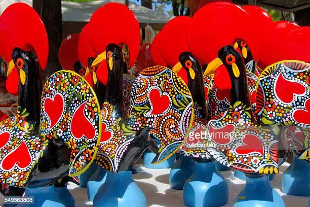 Barcelos Wahrzeichen von Barcelos ist der Galo de Barcelos ein farbenfroher KaramikHahn der ein inoffizielles Nationalsymbol ist und oft als Symbol...