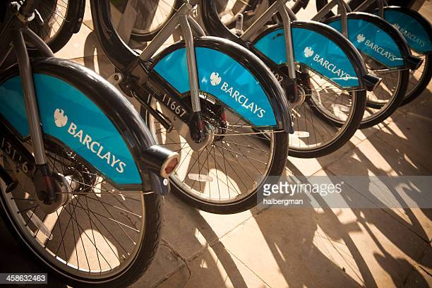 barclays bikes for hire in london - barclays cycle hire stock pictures, royalty-free photos & images