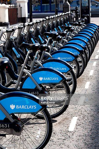 barclays cycle hire - barclays cycle hire stock pictures, royalty-free photos & images