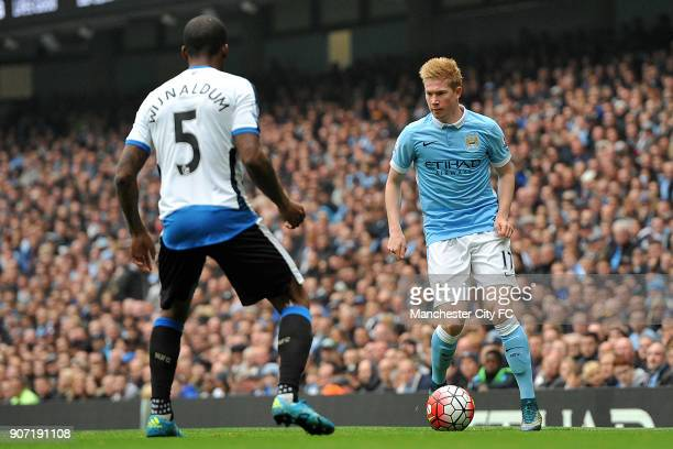 Barclays Premier League Manchester City v Newcastle United Etihad Stadium Manchester City's Kevin De Bruyne and Newcastle United's Georginio...