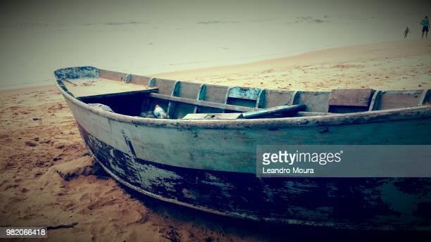 barco na areia - moura stock photos and pictures