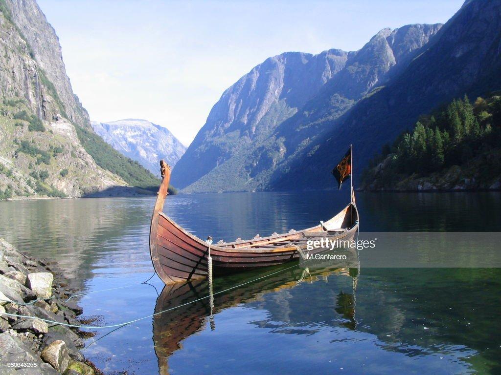 barco vikingo : Stock Photo