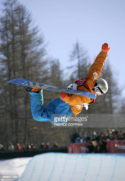 Netherlands' Cheryl Maas competes during the Ladies' snowboard Halfpipe final on the third day of the Turin 2006 Winter Olympics 13 February 2006 in...