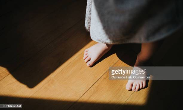bare feet - pretty toes and feet stock pictures, royalty-free photos & images