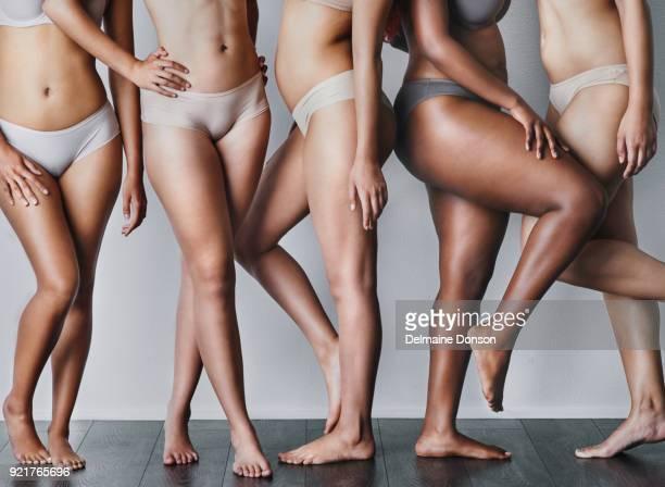 nu à l'esprit que votre corps est magnifique - beautiful bare women photos et images de collection