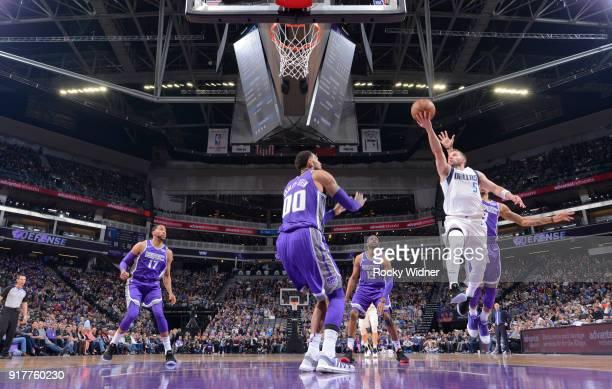 J Barea of the Dallas Mavericks shoots a layupa gainst the Sacramento Kings on February 3 2018 at Golden 1 Center in Sacramento California NOTE TO...