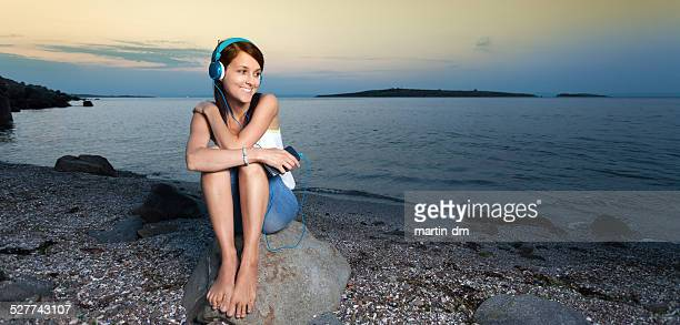 barefoot woman at the beach - white women feet stock pictures, royalty-free photos & images