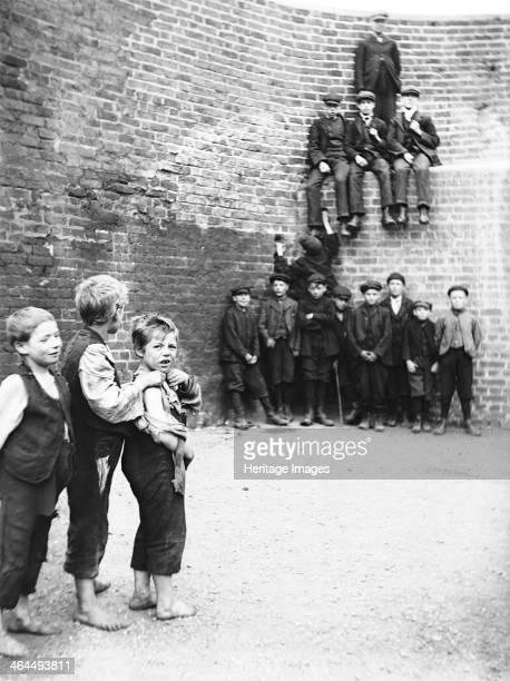 Barge boys London c1905