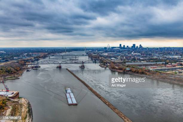 barge on the mississippi - st. louis missouri stock pictures, royalty-free photos & images