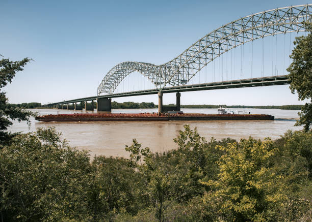 TN: Mississippi River Reopens, Freeing Over 1,000 Stuck Barges