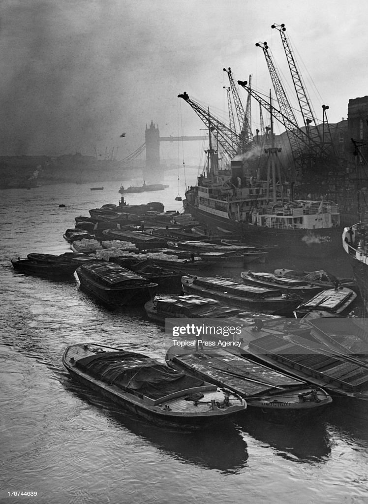 Barges At Hay's Wharf : News Photo