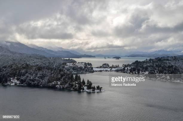 bariloche, patagonia argentina - radicella photos et images de collection