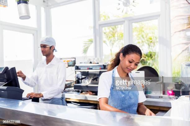 Arbeiten bei ihrer Boutique Café Barista