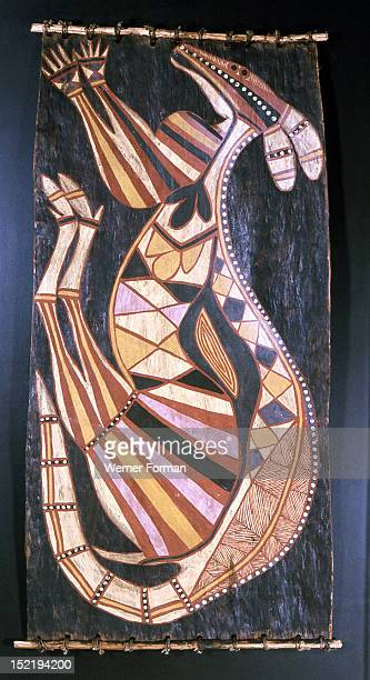 Bark painting in X ray style depicting a kangaroo, The specific form of cross hatching served to associate paintings with individual clans and to...