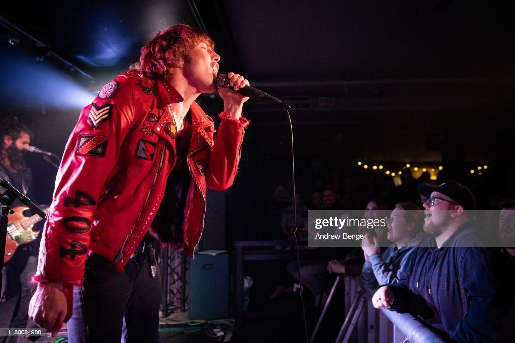 Barns Courtney Perform At The Wardrobe, Leeds : News Photo