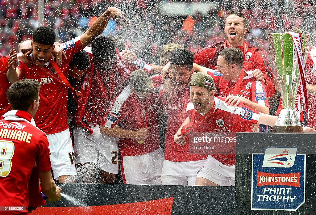 Barnsley players celebrate with the trophy after winning the Johnstone's Paint Trophy Final match between Oxford United and Barnsley at Wembley Stadium on April 3, 2016 in London, England. (Photo by Tom Dulat/Getty Images).