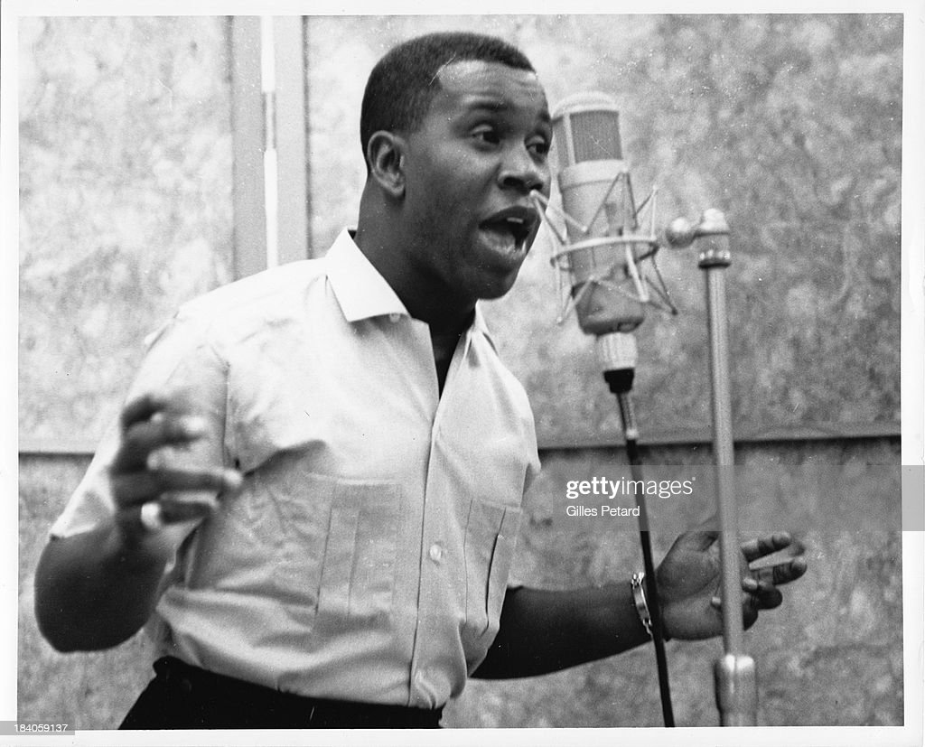h b barnum sings in a studio during a recording session usa 1965 news photo getty images. Black Bedroom Furniture Sets. Home Design Ideas