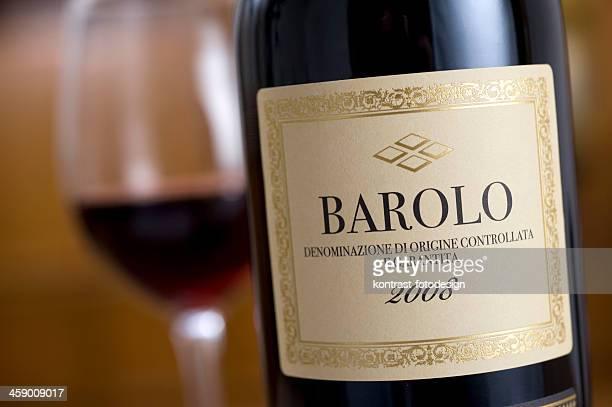 Barolo-Wein Flasche in einem diner-Gedeck