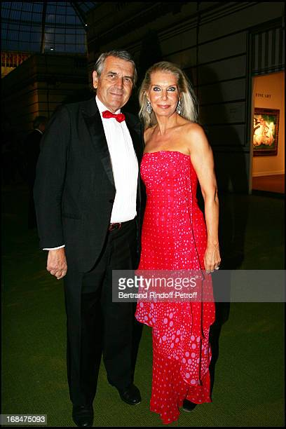 Baron and Baroness Ameil 23rd antic fair in Paris followed by a dinner to the benefit of the foundation 'Hopitaux de Paris Hopitaux de France'