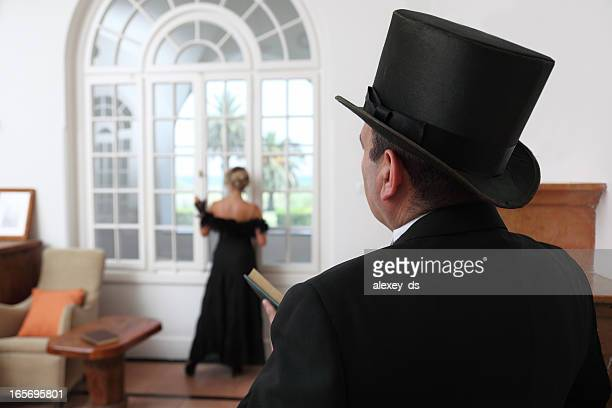 baron and baroness at manor leaving room - top hat stock pictures, royalty-free photos & images