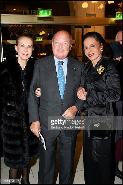Baron and Baroness Emmanuel Reille and Judith Pisar chairman of Arts France Usa Comic Operetta representation Candide at the Chatelet to the benefit...
