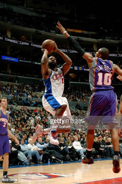 Baron Davis of the Los Angeles Clippers goes up for a shot against Leandro Barbosa of the Phoenix Suns at Staples Center on February 18 2009 in Los...