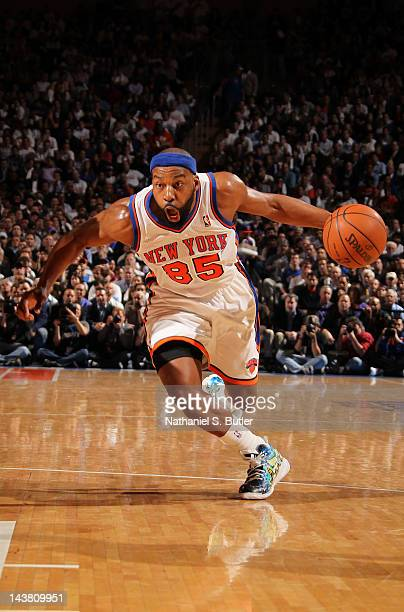Baron Davis of the New York Knicks drives to the basket in Game Three of the Eastern Conference Quarterfinals against the Miami Heat during the 2012...