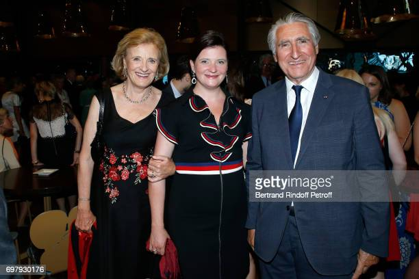 Baron ErnestAntoine Seilliere his wife Antoinette Barbey and their daughter Noemie Seilliere attend the 'Societe ses Amis du Musee d'Orsay' Dinner...