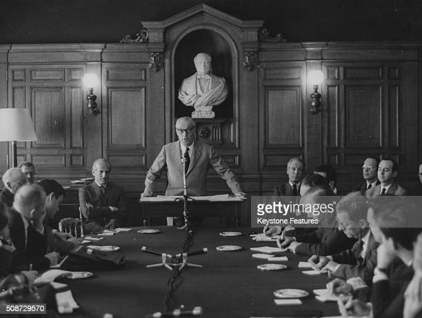 Baron Guy de Rothschild speaking during a press conference celebrating the 150th anniversary of the Rothschild Brothers Bank watched by Baron Elie de...