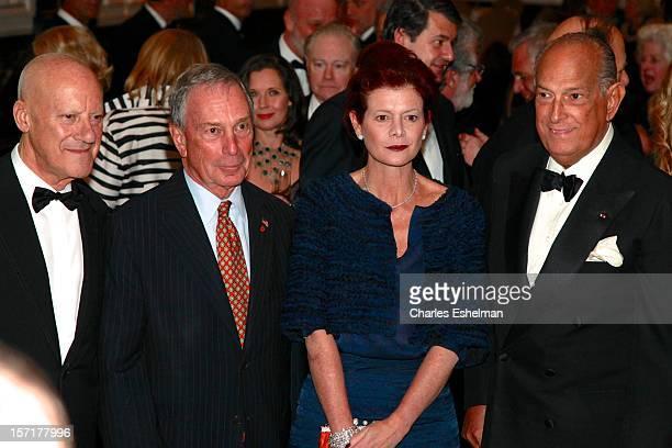 Baron of Thames Bank Norman R. Foster, New York City Mayor Michael Bloomberg, Lady Foster of Thames Bank Elena Ochoa and Oscar de la Renta attend the...