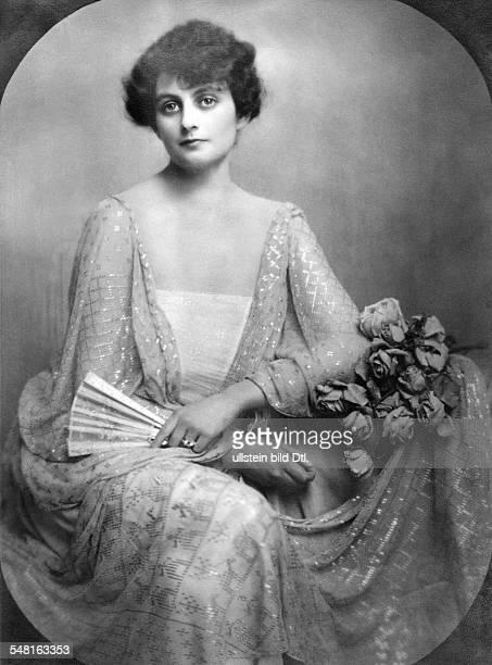 Baroness Heinrich Guttmann wearing an evening gown 1922