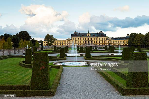 baroque gardens and drottningholm palace. - drottningholm palace stock pictures, royalty-free photos & images