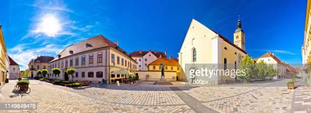 baroque town of varazdin square panoramic view - uferpromenade stock-fotos und bilder