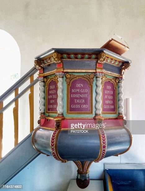 baroque-styled pulpit for preachers from 1683 in svaneke church on bornholn island, denmark. - protestantisme photos et images de collection