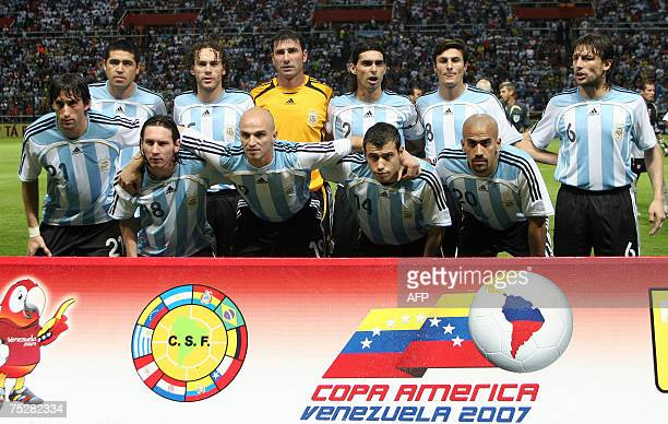 The Argentine national football team poses before the Copa America quarter finals match against Peru at the Metropolitano stadium in Barquisimeto...