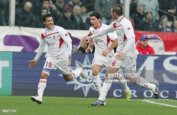 Barreto of AS Bari celebrates with teammates after scoring the opening goal of the Serie A match between Fiorentina and Bari at Stadio Artemio...