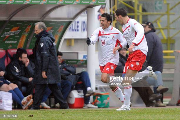 Barreto of Bari celebrates after scoring the opening goal during the Serie A match between Bologna and Bari at Stadio Renato Dall'Ara on January 24,...