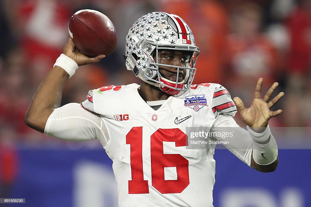 PlayStation Fiesta Bowl - Ohio State v Clemson : News Photo